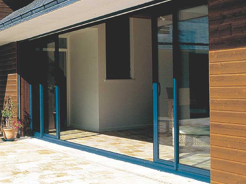 Ventanas y puertas de aluminio castelldefels for Toldos cerramientos terrazas