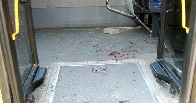 Seyir halindeki İETT otobüsüne taşlı saldırı
