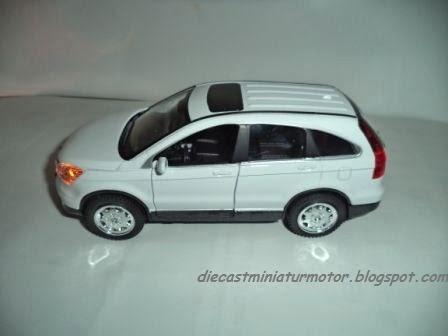 Diecast Mobil Honda CR V Mainan Replika Miniatur Skala 1