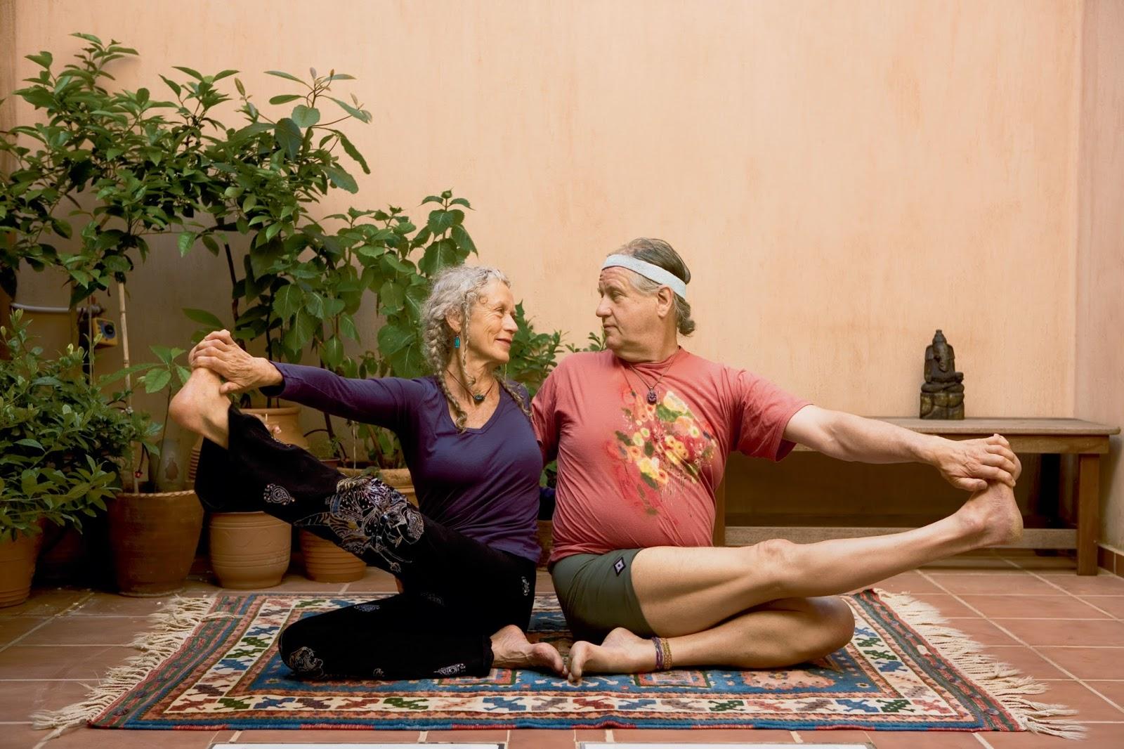 Snug Harbor Bay: Book Review - Yoga at Home