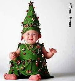llevaba un disfraz insuperable de elfo as que este ao cambiamos de objetivo y el elegido fue el de rbol de navidad navegando y navegando encontr