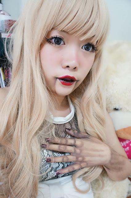 Creepy wooden doll make up
