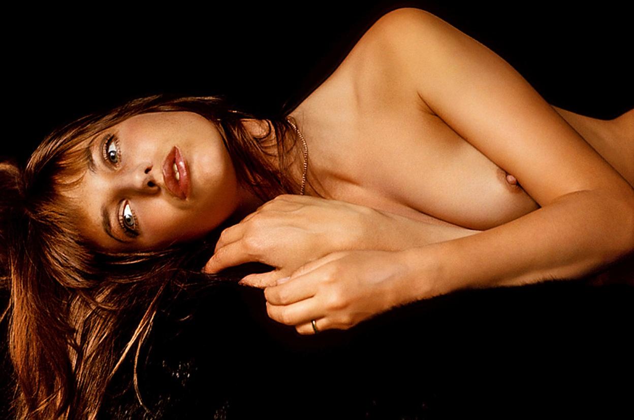 http://1.bp.blogspot.com/-Bnw6Fbd79pk/UACbiCWiziI/AAAAAAAAjiw/eJOhaAJF2tc/s1600/20738_JaneBirkin-Playboy15_123_1097lo.jpg