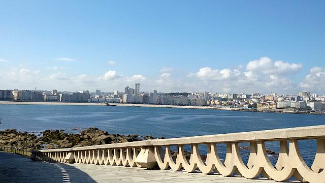Paseo marítimo. Fotos de A Coruña por Jasmine Rabuñal. Visita www.forarealwoman.com  #blogger