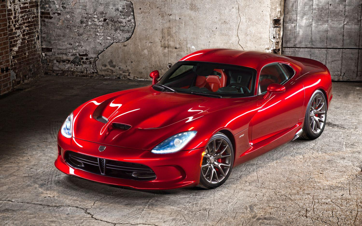 Chrysler viper vs dodge viper