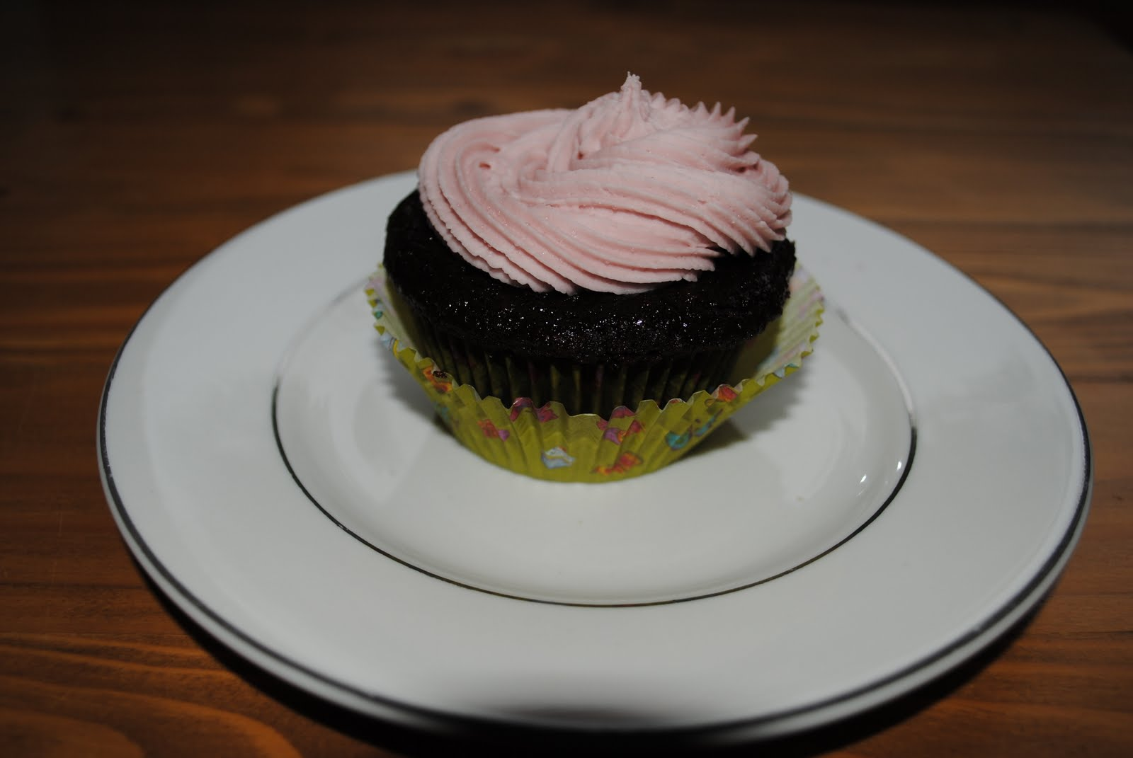 ... Cupcakes: Cookie Cupcakes with Raspberry Buttercream Frosting