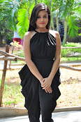 Mishti Chakraborthy latest sizzling pics-thumbnail-9