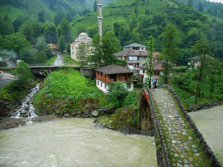 http://1.bp.blogspot.com/-BoZv_n6lIfE/UgXX56C7wjI/AAAAAAAAOWg/AVMxZIDvBN4/s1600/6+Turquia+Mar+Negro+(Karadeniz).jpg