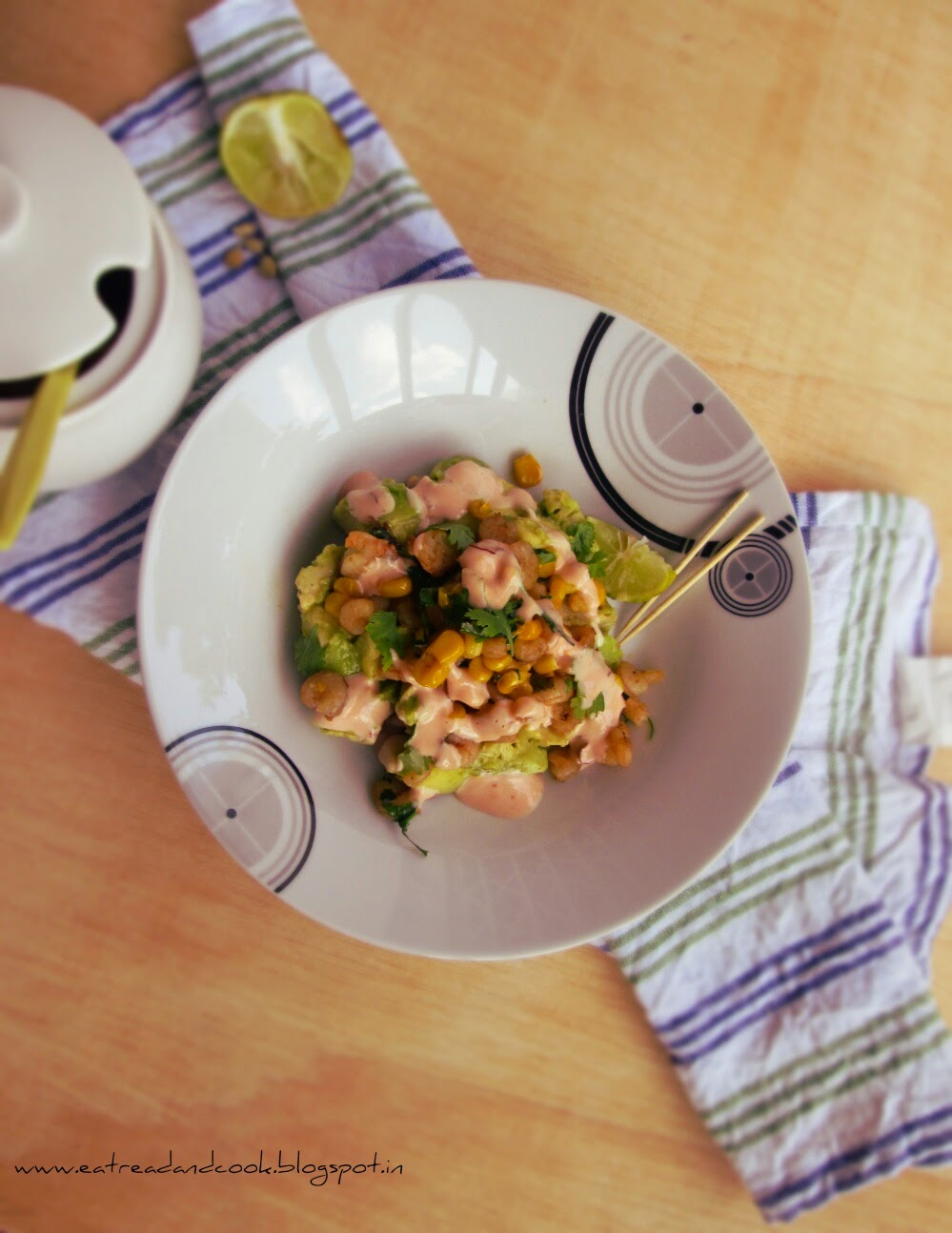 how to make healthy and simple Avocado and Shrimp Salad