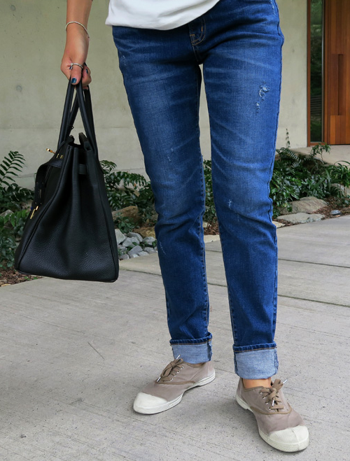 Rip Accented Relaxed Fit Jeans