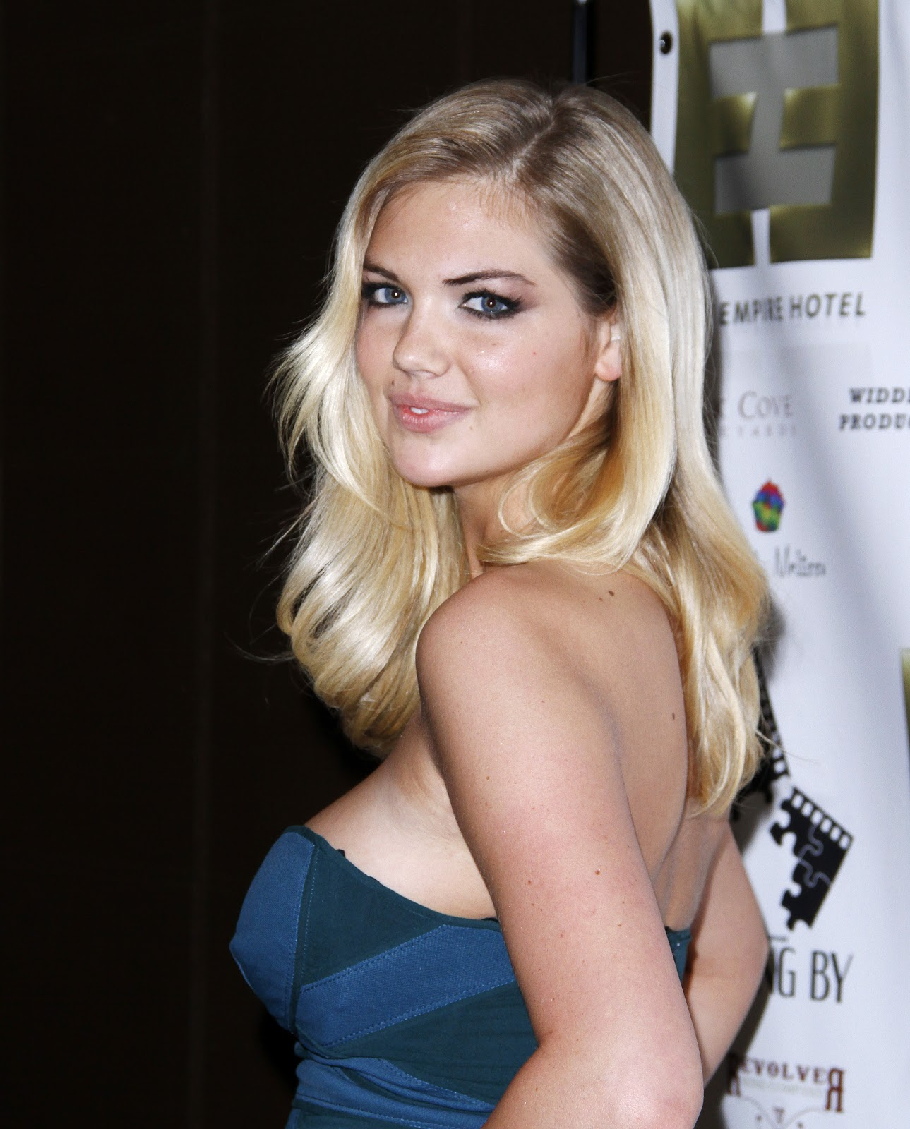 http://1.bp.blogspot.com/-BotDF1imzZs/UHlbpIwuG1I/AAAAAAAAS4w/xSKn-nD_0i8/s1600/Kate+Upton+attends++Casting+By+Premiere+After+Party++at+Empire+Hotel+on+October+12th+2012-08.jpg