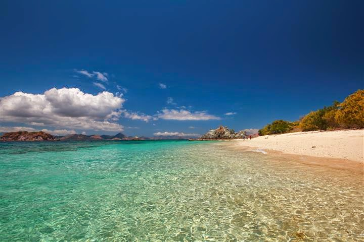 Pantai Pulau Bidadari di Labuan Bajo