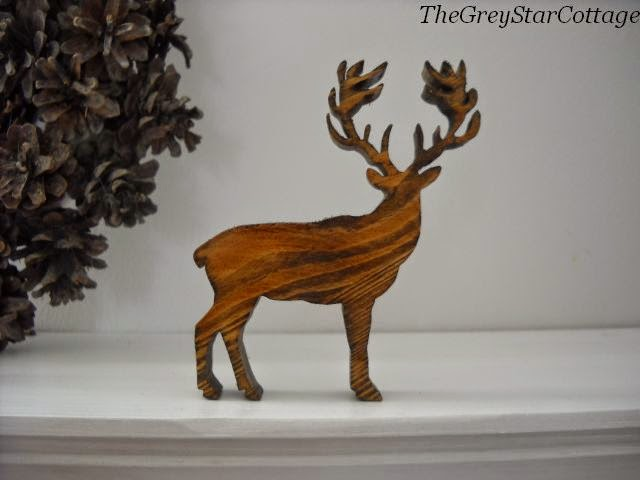 jeleń z drewna