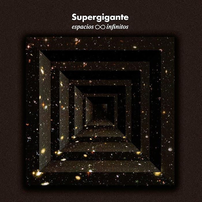 Supergigante espacios infinitos
