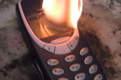 Dibakar 3 kali, Nokia 3310 Masih Utuh