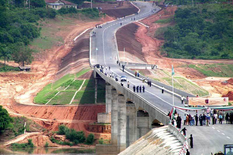 Nigeria To Spend N600billion Yearly To Attain 300 000km Of Good Road Network By 2020 Mike