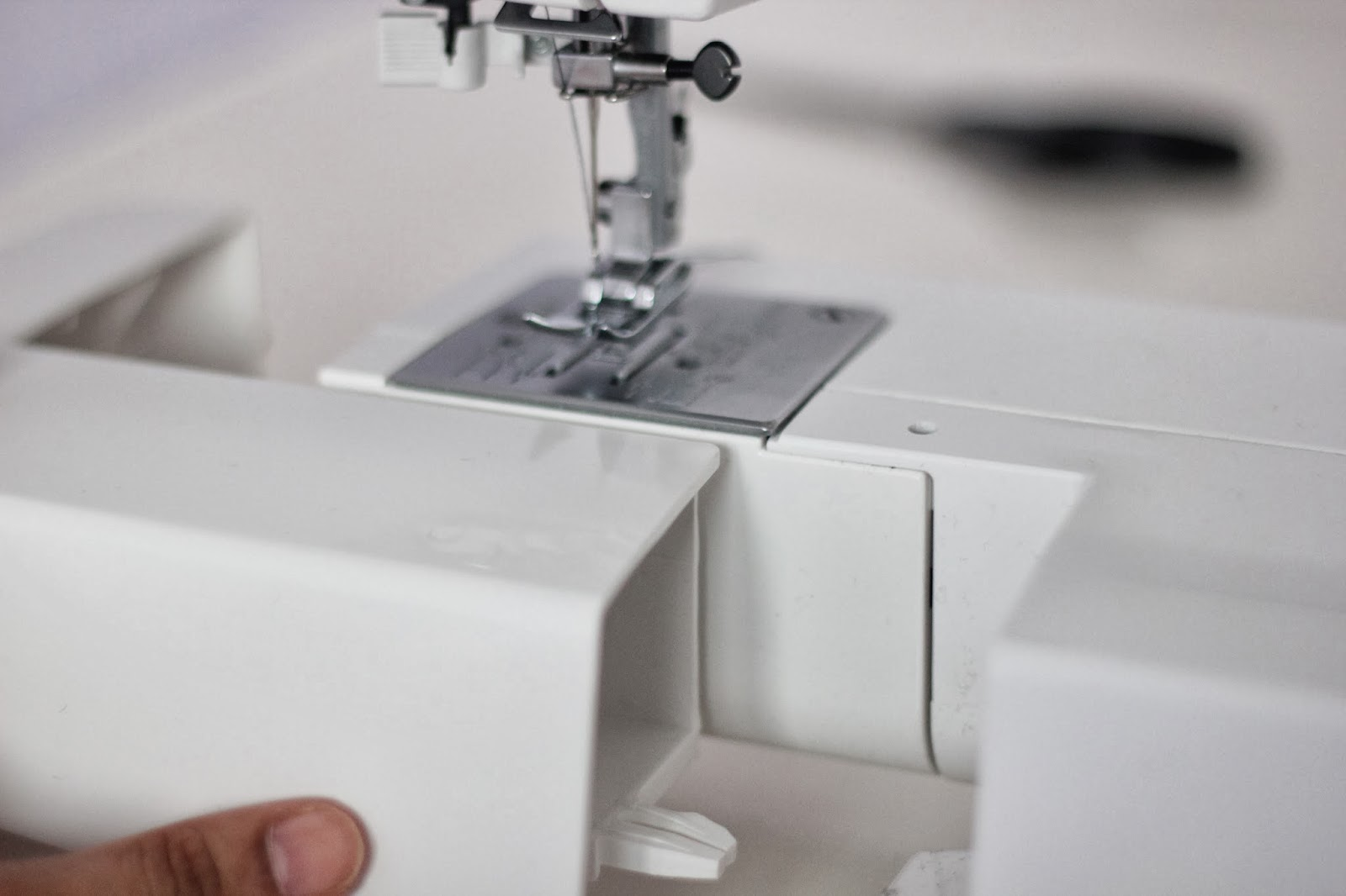 sewing machine storage box