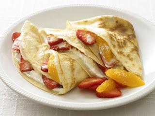 """<img src=""""tortilla-de-queso-con-frutas.jpg"""" alt=""""el queso para preparar tortilla debe ser light o bajo en grasa"""">"""