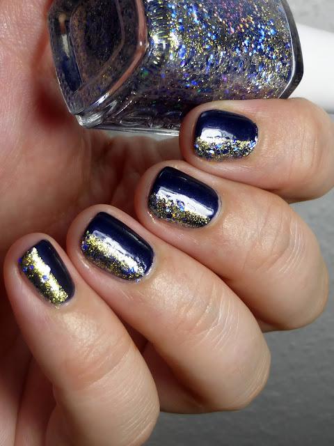 http://lackverliebt.blogspot.de/2015/08/maybelline-103-marinho-essie-on-silver.html
