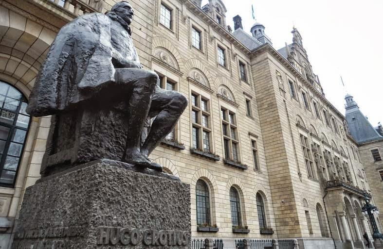 Estatua de Hugo Grocio