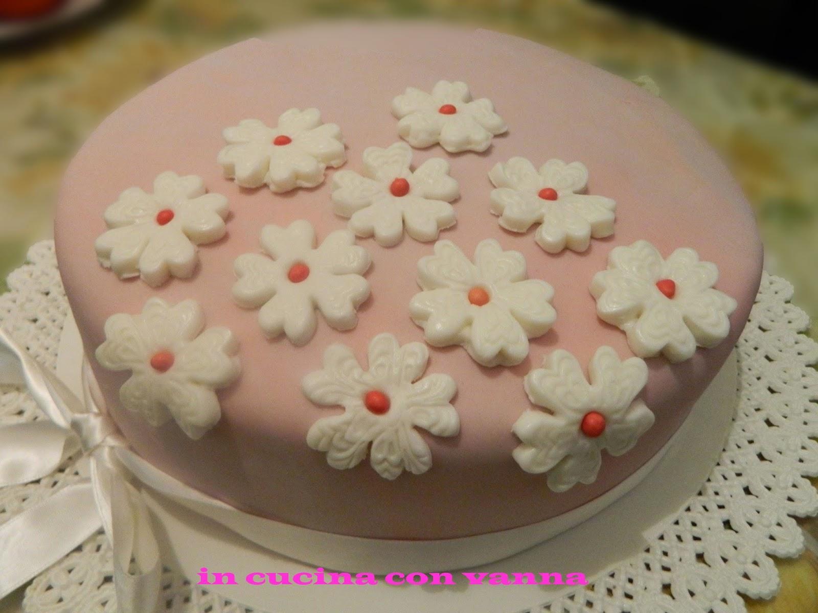 In cucina con vanna torta per i 20 anni di vale - Cucina con vale ...