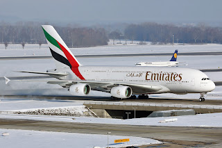 airbus a380 emirates airlines, a380 emirates, a380, airbus a380, a380 taxiing