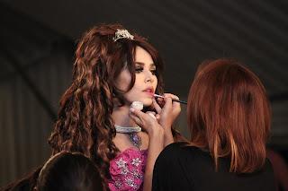 Loreal Bridal Fashion weak in Pak 2012 model ayan ali ramp walk