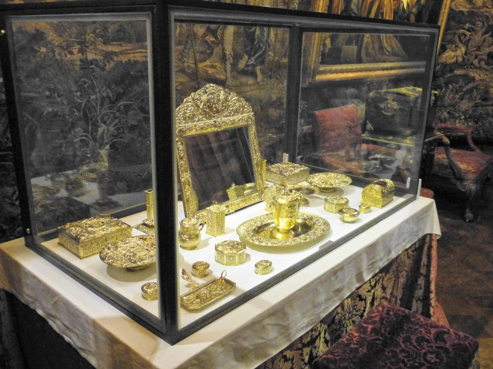 Silver gilt toilet set in State Bedroom, Chatsworth