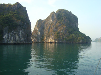 Island Halong Bay - Vietnam