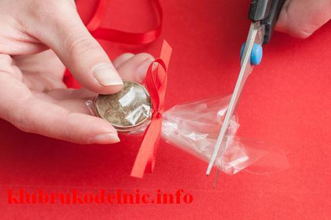 Как упаковать монеты в подарок 92