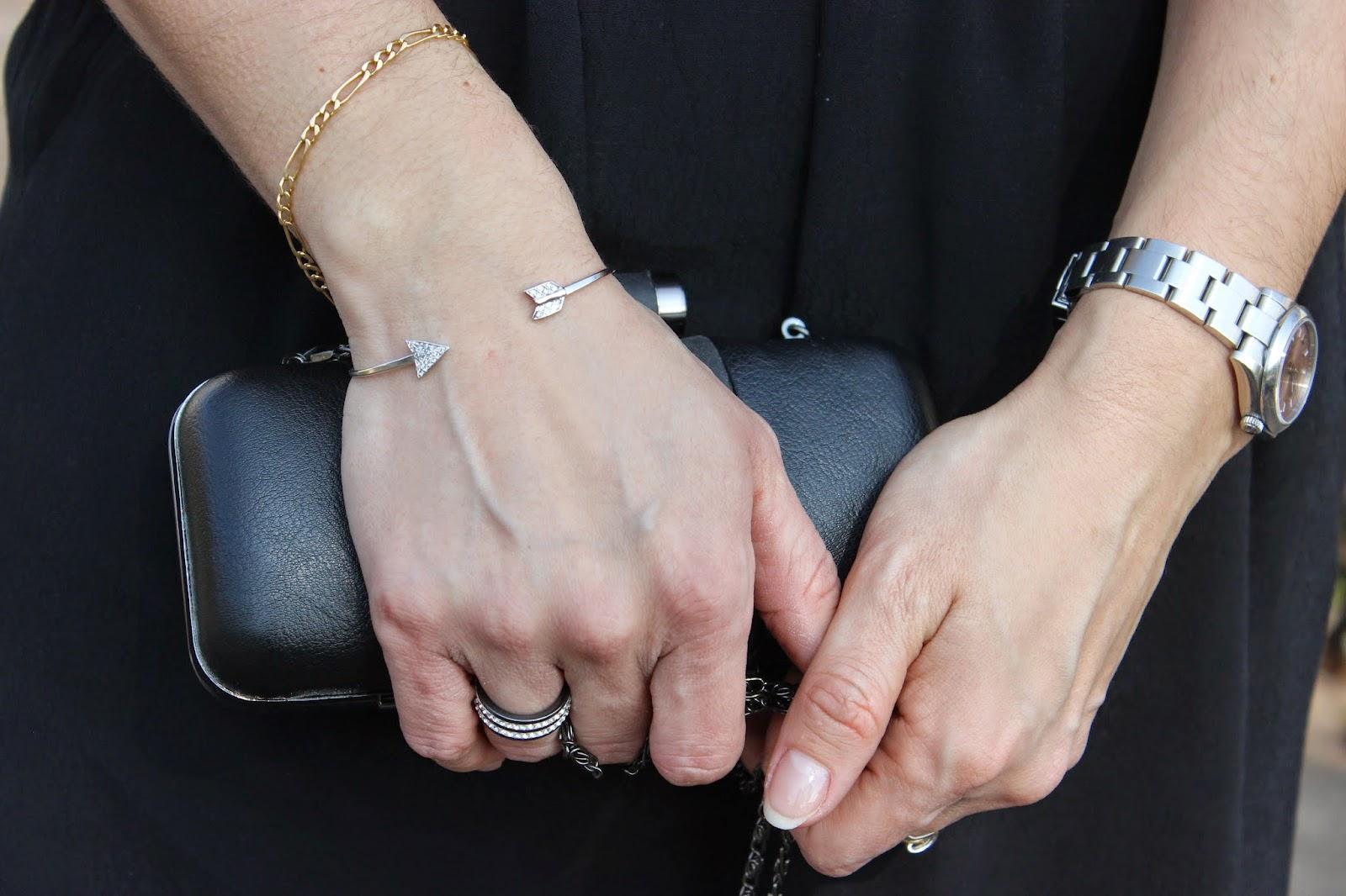 robe see u soon, perfecto Zara, Clutch Naf naf, escarpins minelli, bracelet jonc argent flèche riviera bijoux