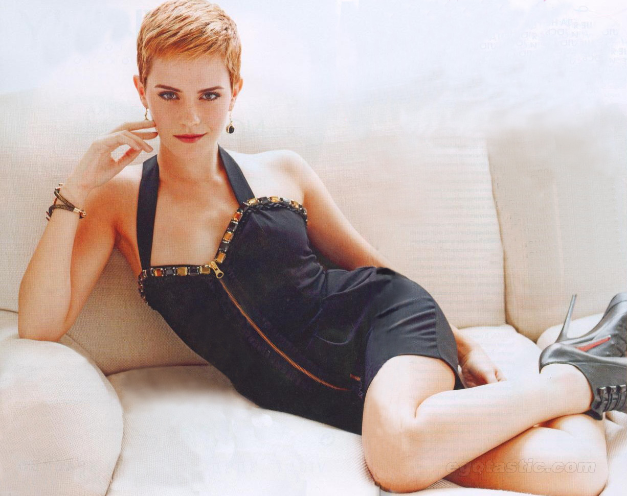 http://1.bp.blogspot.com/-Br-7Wppe2Nk/Tu18IS0kPdI/AAAAAAAAAUY/SE6VTKBlahw/s1600/emma%2Bwatson%2Bshort%2Bhair-hair-styles-hair-cuts.blogspot.com-emma_watson_unknown_photoshoot_i6yUXrD.jpg
