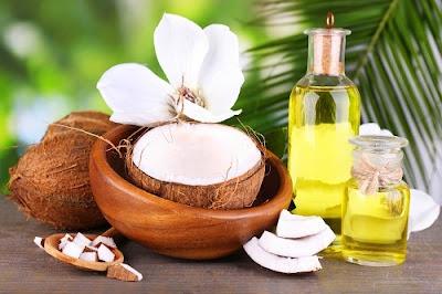 Đánh bay vết tàn nhang hiệu quả bằng dầu dừa