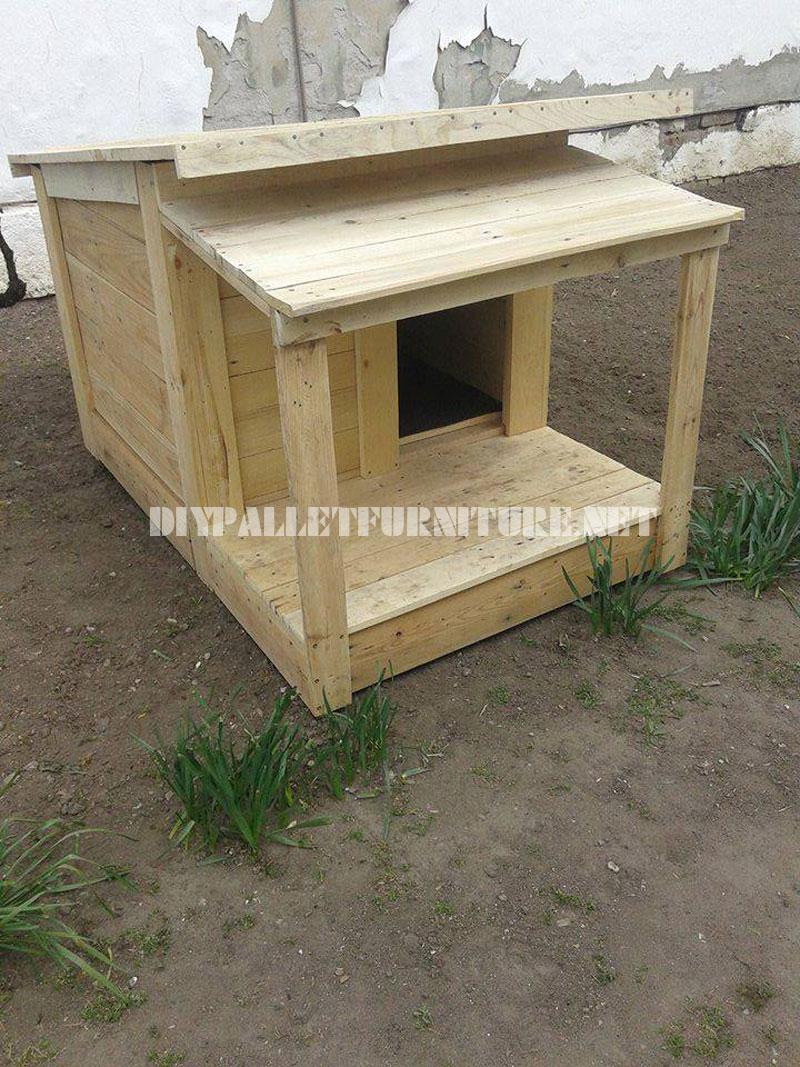 Varias casetas de perros hechas con - Casas con palets de madera ...