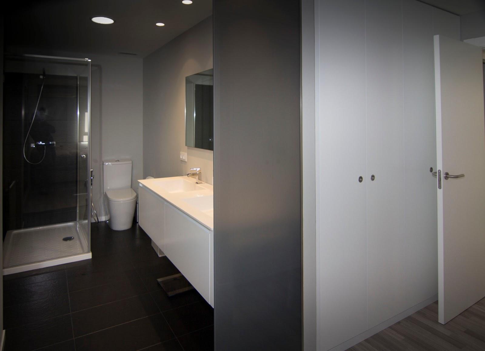 Nivel diez vivienda acogedora for Colgadores de bano