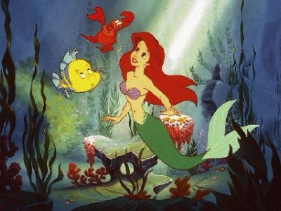 Ariel talking to fish The Little Mermaid 1989 animatedfilmreviews.filminspector.com