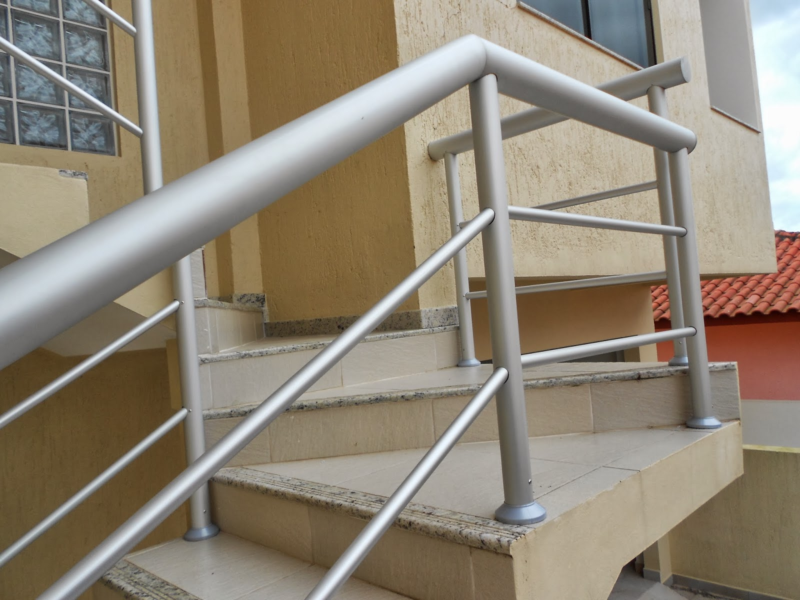Perfil esquadrias corrim o de escada de alum nio tubo redondo - Tubo de aluminio redondo ...