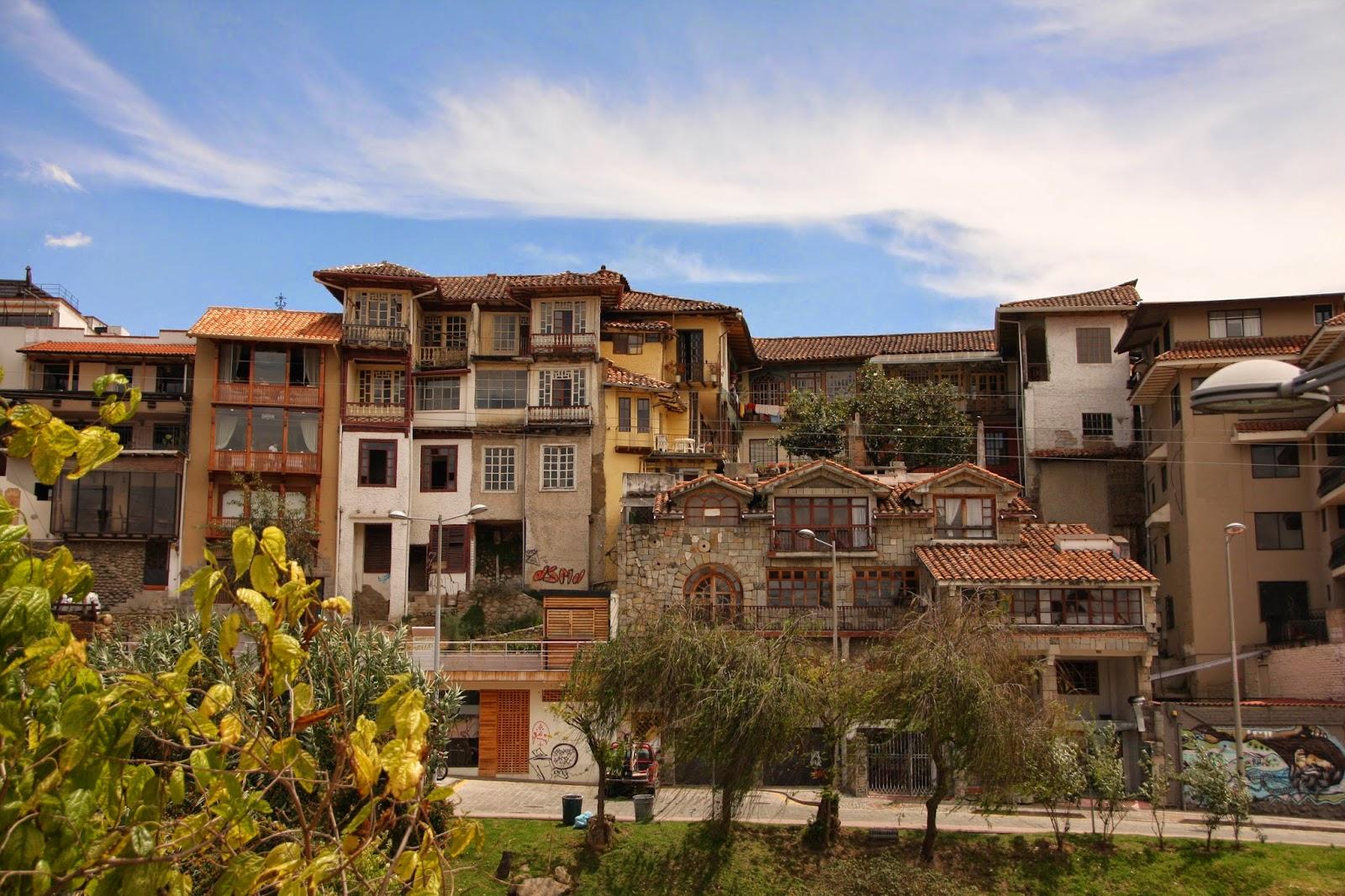 Viajes baratos por ecuador cuenca d a 1 for Apartamentos baratos en sevilla por dias