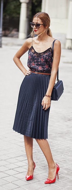Black Pleated Mini Skirt with Floral Top and Red Pumps | Summer Street Outfits