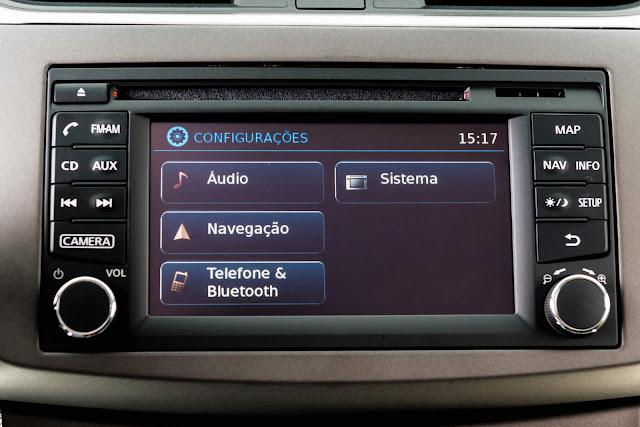 Nissan Sentra 2016 - sistema multimídia