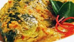 Resep praktis (mudah) membuat masakan ikan bawal bumbu kuning enak, lezat