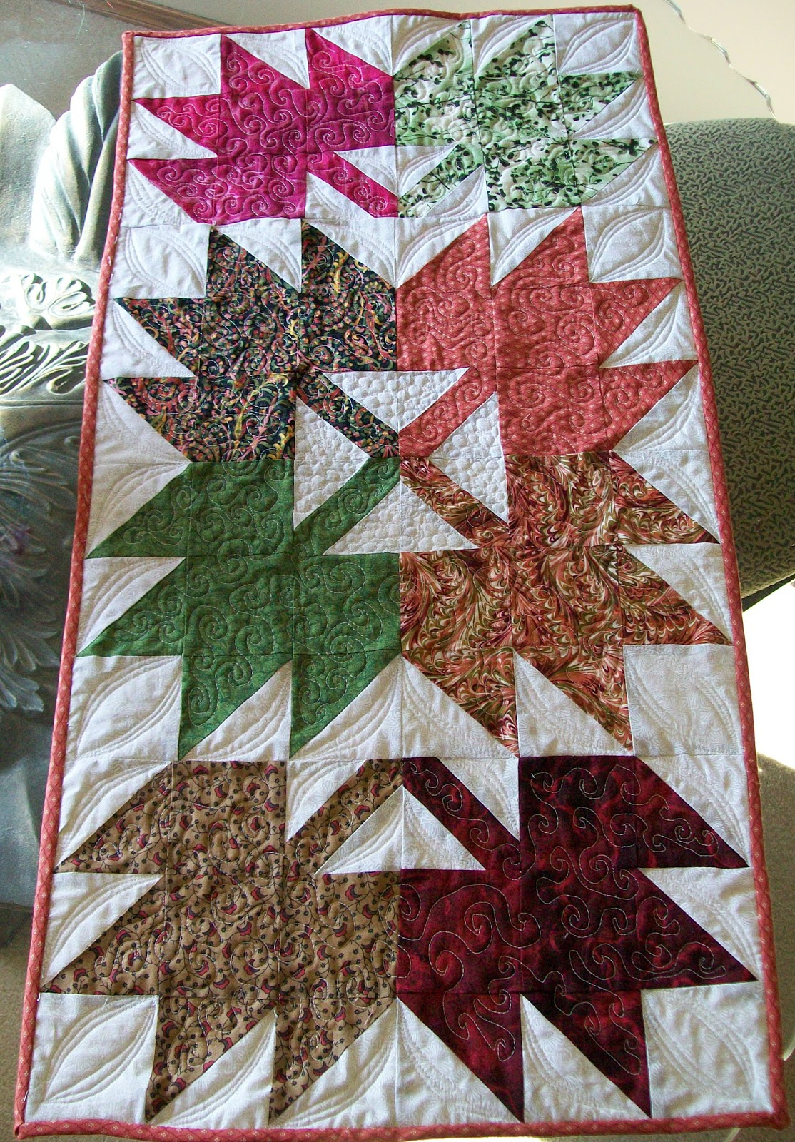 Maple Leaf Quilt Pattern Table Runner : The Desert Quilter: Maple Leaf Table Runner