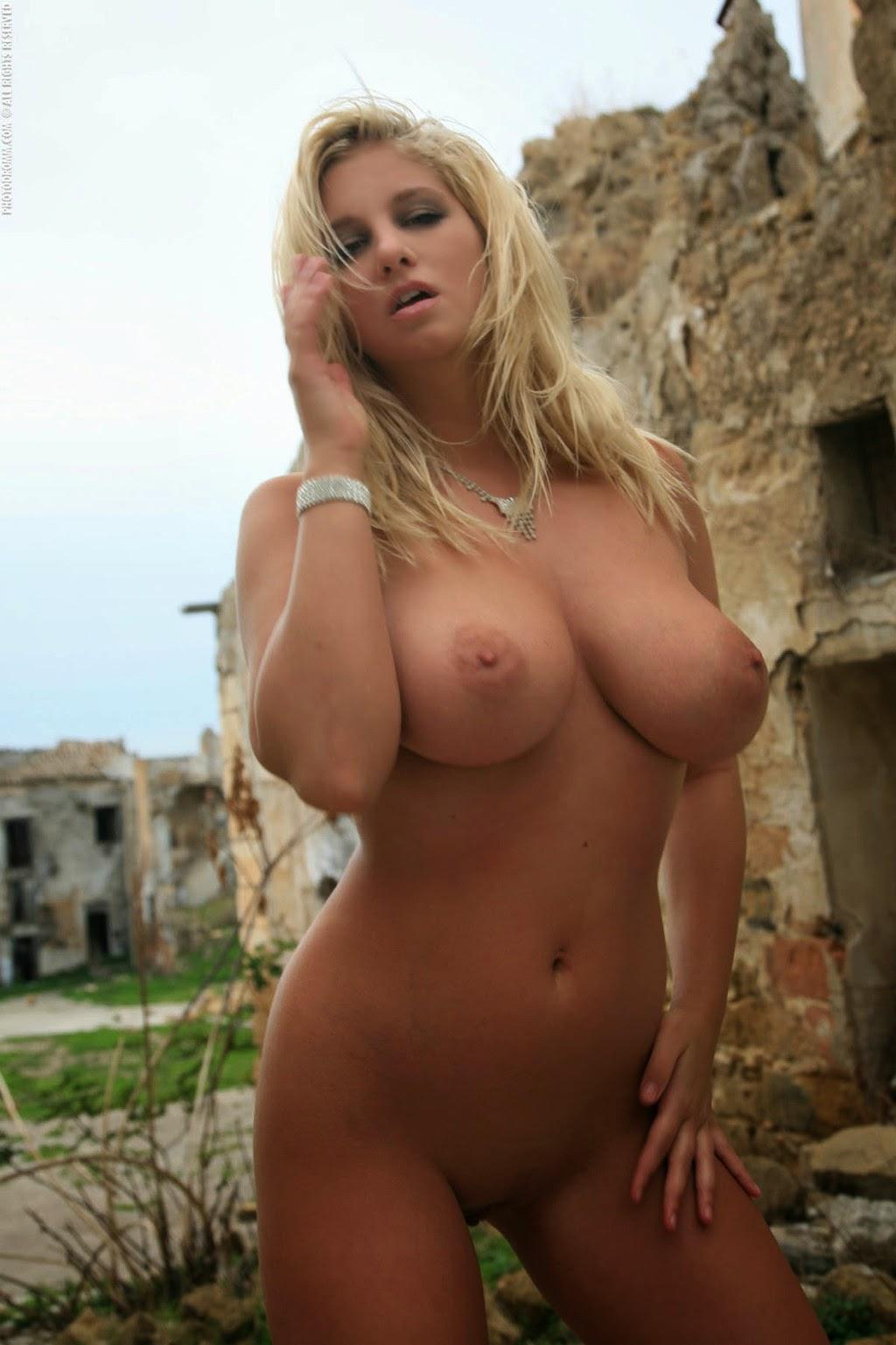hot naked heater locklier