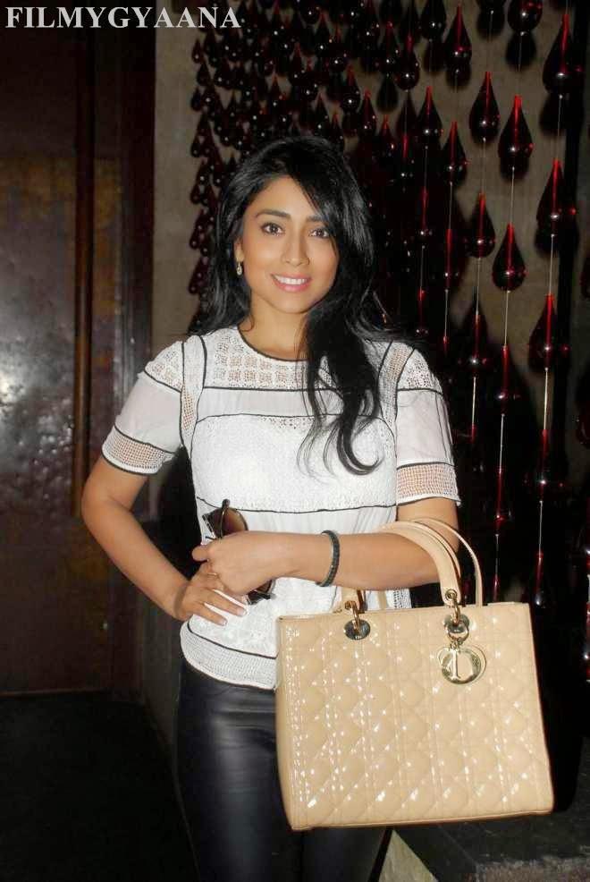 latest hot photos of shriya saran