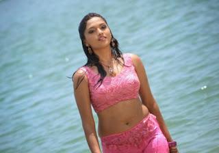 Sunaina looks So cute in Romantic Stlls at Beach in Pink Sal Choli