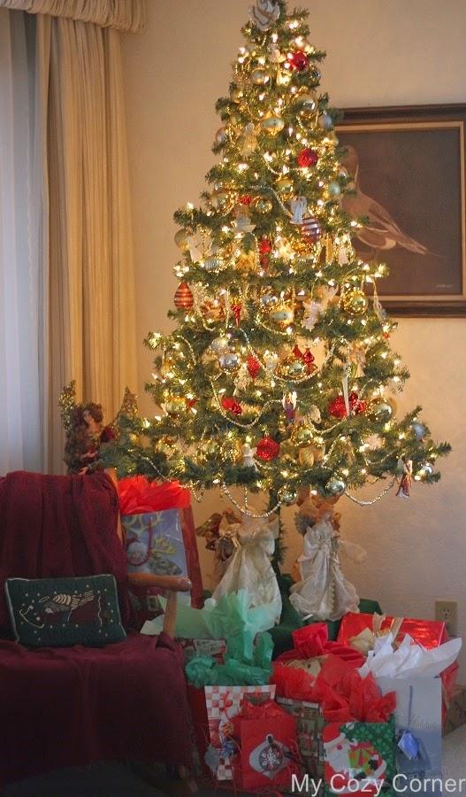 my cozy corner  christmas tree