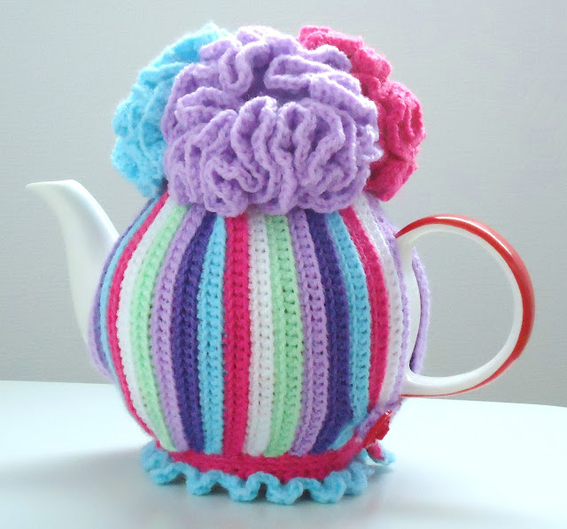 Free Crochet Pattern Small Tea Cozy : Miss Julias Patterns: Free Patterns - 20+ Tea Cozy to ...