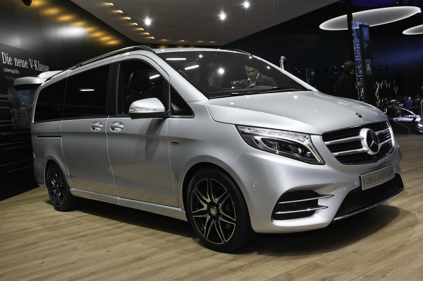 New Mercedes Benz V Class Takes Some Amg Fashion Lessons