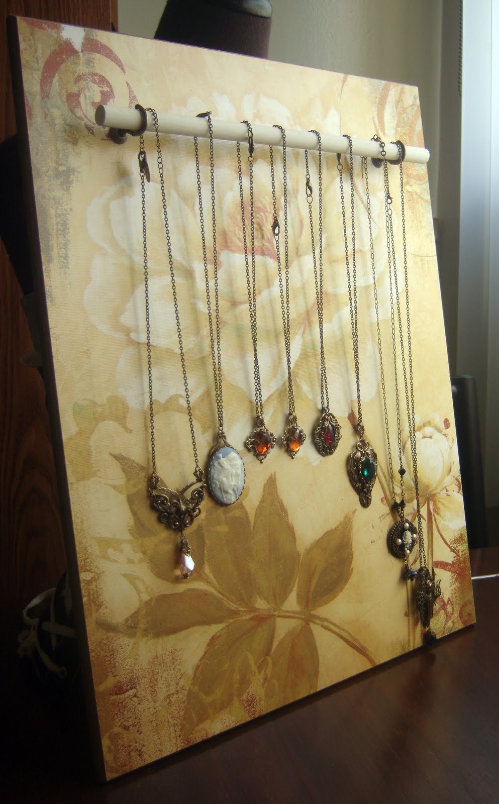 Peacock tres chic diy jewelry display made with wood and for Jewelry displays