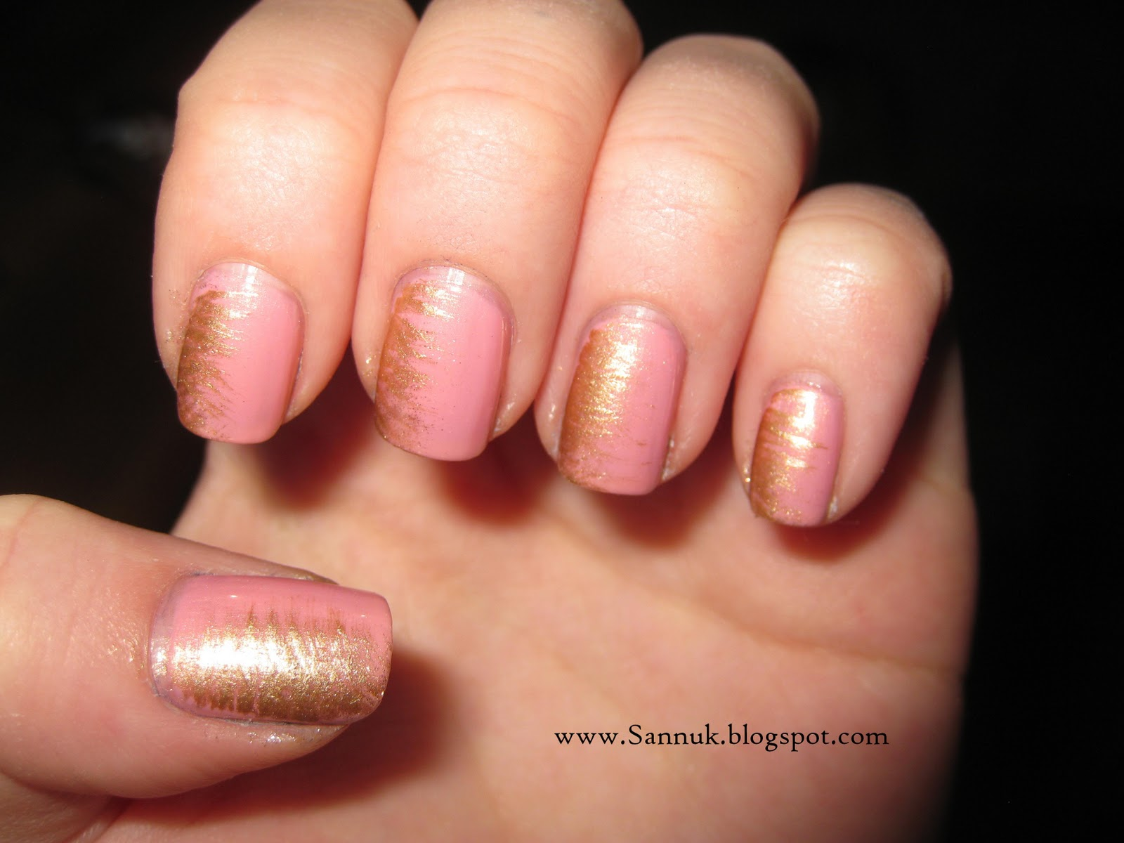 Sandra\'s Nails (not active anymore): Pink & Gold